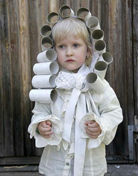 Child wearing Rollhead Toilet Paper Wig Halloween Costume
